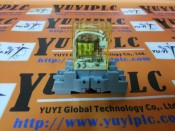 IDEC RY2S-U RELAY WITH SY2S-05 SOCKET